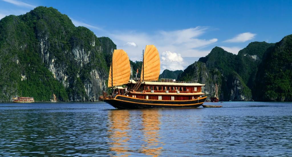Halong Bay Cruise Hanoi Vietnam